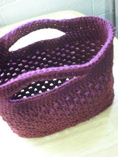Crochet Bag - from Living the Craft Life. So many uses and nice to just throw it in the wash. It would be easy to make it in wool then felt it for a different look. ༺✿ƬⱤღ https://www.pinterest.com/teretegui/✿༻