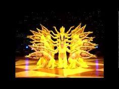 La Danza de Kuan Yin de las Mil Manos - YouTube 21 mujeres todas ellas sordomudas