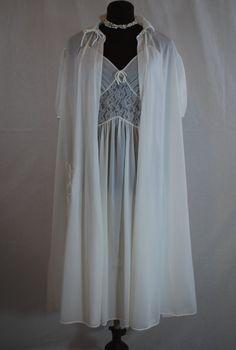 1960s White Peignoir Set Nightgown Robe Medium