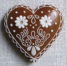 Today we are looking at Moravian and Bohemian gingerbread designs from the Czech Republic. Back home, gingerbread is eaten year round and beautifully decorated cookies are given on all occasions. Crackle Cookies, Snowflake Cookies, Iced Cookies, Cookies Et Biscuits, Chocolate Cookies, Almond Cookies, Icing For Gingerbread Cookies, Cookie Icing, Valentines Art