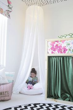 Adorable DIY Girls Room Decor Ideas for Kids and Teen - The experts at here share design ideas for decorating little girls' room decors. Cool Beds For Teens, Girls Bedroom, Bedroom Decor, Room Girls, Trendy Bedroom, Bedroom Seating, Bedroom Ideas, Master Bedroom, Sister Room