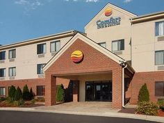 Ann Arbor (MI) Comfort Inn and Suites University South Ann Arbor United States, North America The 3-star Comfort Inn and Suites University South Ann Arbor offers comfort and convenience whether you're on business or holiday in Ann Arbor (MI). The property features a wide range of facilities to make your stay a pleasant experience. 24-hour front desk, Wi-Fi in public areas, car park, business center, restaurant are on the list of things guests can enjoy. Guestrooms are fitted w...