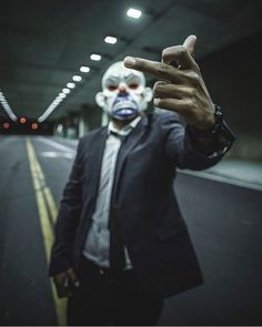 Gas Mask Art, Hacker Wallpaper, Dark Souls Art, Dp Photos, Men Tumblr, Joker Wallpapers, Evil Clowns, Desenho Tattoo, American Gods