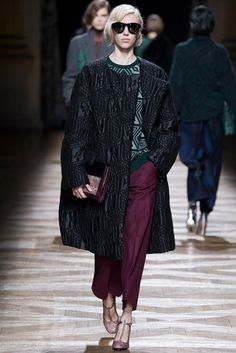 Dries Van Noten Fall 2014 Ready-to-Wear Fashion Show - Juliana Schurig (Elite)