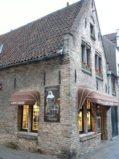 Chocolaterie t' Begijntje Chocolate Shop in Bruges, Belgium