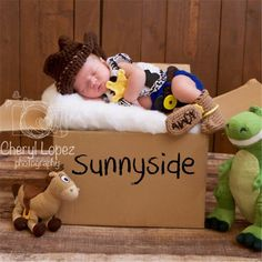 Newborn Photo Props Hat and Boots for Boys Infant Baby Crochet Cowboy Clothing Set