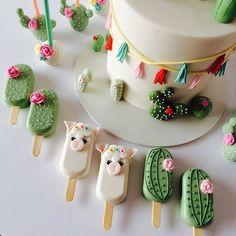 Cake pops for mom - HQ Recipes Cake Pops, Cake Cookies, Cupcake Cakes, Mini Cakes, Magnum Paleta, Cactus Cake, Cactus Cactus, Llama Birthday, Mexican Party