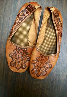 Burnt leather flats leather flats, comfy shoes, tooled leather, slipper, tool leather, ballet flats, boho, bohemian style, leather shoes