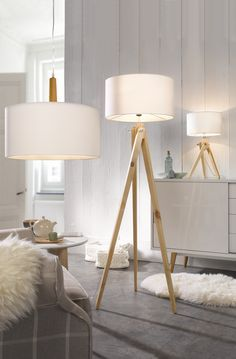Leuchtenwelten - Tischlampe, Stehlampe, Deckenlampe - zum Beispiel Stehleuchte >>Gin<<: weißer Stoffschirm / naturfarbenes Holz - Höhe ca. 150 cm - Produktnummer: 576049-159-00-210