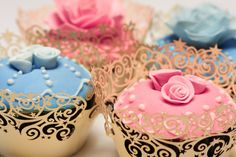Love the cupcake liners... would be perfect for a princess party :)