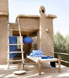 Mood of the day: relax Il fascino dei colori della terra in un casale in #Marocco dove rivive il sapere artigianale | #MCFeelingGood #Relaxtime #Dreamhome #Exteriordesign #MClifestyle #Marocco #Beautifulhomes #Gipsylife #northafrica (foto Jeltje Janmaat/Living Inside)  via MARIE CLAIRE ITALIA MAGAZINE OFFICIAL INSTAGRAM - Celebrity  Fashion  Haute Couture  Advertising  Culture  Beauty  Editorial Photography  Magazine Covers  Supermodels  Runway Models