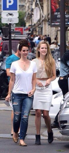 Lana Del Rey and her sister Chuck in Paris