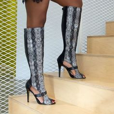Step up to hot styles. #ShoeDazzle