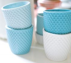 blue CUPS and SAUCERS | pinned by http://www.cupkes.com/