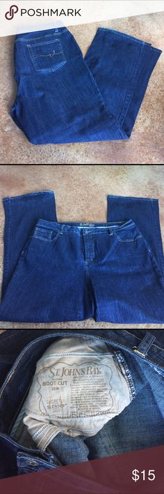 Boot cut indigo wash Jeans St John's Bay woman 18W indigo wash boot cut jeans. Some fading at the cuff which I think is mostly for fashion. Gently used and smoke free home. st johns bay Jeans Boot Cut
