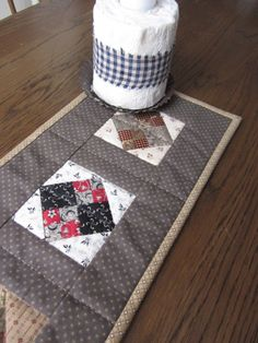 Mini Civil War Reproduction Quilted Table by thePATchworksshop