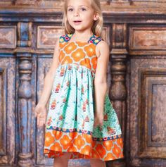 Dress Reverse Knot Bow. Cute pattern and colors. Retro!