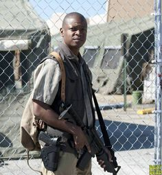 The Walking Dead  S4 - Bob Stookey (Larry Gilliard Jr.)