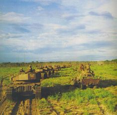 South African Olifant tank column on the move during the Angolan War South African Air Force, World Conflicts, Army Day, Armored Fighting Vehicle, War Photography, Military Love, African History, Military History, Defence Force