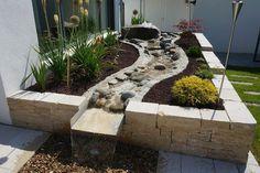 Backyard Plants, Backyard Garden Design, Ponds Backyard, Garden Landscape Design, Landscaping Plants, Front Yard Landscaping, Low Maintenance Garden Design, Water Features In The Garden, Garden Inspiration