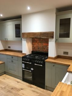 Kitchen Units, Kitchen Ideas, Kitchen Cabinets, Country Kitchen Designs, Kitchen Rustic, Small Kitchen Remodel Cost, Kitchen Utilities, Interior Design Kitchen, Alcove