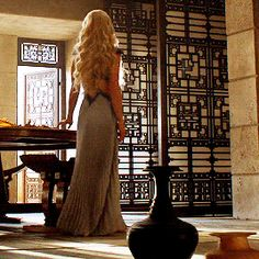 """""""It was a wonder, she thought, that prey could be kind. She never thought the one she hunted would be the one to save her, to feed and to clothe her. How much about this world did she have left to learn? Familia Targaryen, Casa Targaryen, Emilia Clarke Daenerys Targaryen, Game Of Throne Daenerys, Khaleesi Hair, Emilia Clarke Hot, Game Of Thrones Tv, Game Of Trones, My Champion"""
