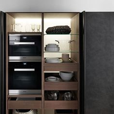 Mobile alto per cucina moderno / in legno / in vetro / in ...