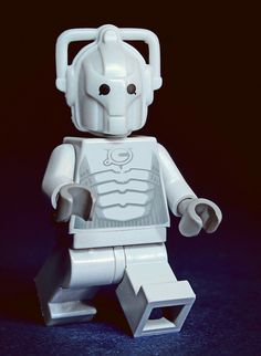 LEGO Cyberman (I wasn't sure whether to put this under Doctor Who or here) Lego Doctor Who, Figurine Lego, Hello Sweetie, Cool Lego, Lego Creations, Dr Who, Superwholock, Tardis, Nerdy