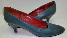 Yves Saint Laurent Vtg.Green Leather Classic Pump Shoes Sz 9N made in Italy #YvesSaintLaurent #PumpsClassics