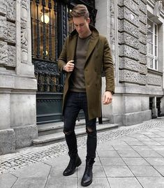 By Chris Barker. - Total Street Style Looks And Fashion Outfit Ideas Fashion Mode, Urban Fashion, Mens Fashion, Style Fashion, Men's Street Fashion, Fashion 2016, Fashion Photo, Fashion Trends, Stylish Men