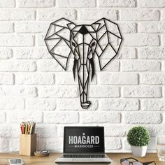 Hoagard - Metalen Olifant Muurdecoratie x - Metal Elephant Wall Art- Wanddecoratie - Wildlife / Rustic & Country Home. Geometric Elephant, Elephant Wall Art, Trendy Home Decor, Home Decor Items, Metal Walls, Metal Wall Art, Decorate Your Room, Rustic Decor, Rustic Style