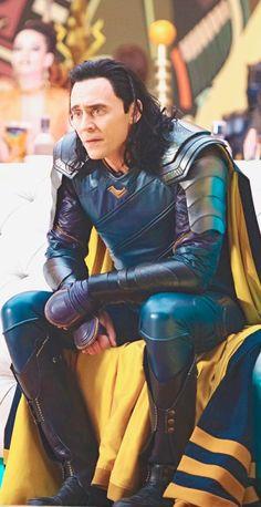Marvel, loki, and tom hiddleston image. Marvel Comics, Loki Thor, Loki Laufeyson, Marvel Avengers, Loki And Frigga, Tom Hiddleston Loki, Loki Cosplay, Loki God Of Mischief, Marvel Photo