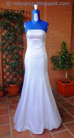 Handmade wedding dress from RobyGiup handmade - mermaid shape with strass decoration on one side #sewing #wedding #dress