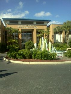 A nice college campus close to Sarasota. It use to be called Manatee Community College. It has had many renovations and keeps growing in size and with programs offered.