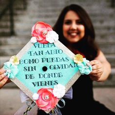 First generation college student graduated from Washington State University with a BA in political sciences and comparative ethnic studies. Born in Uruapan Michoacan Mexico. Privileged to be a citizen thanks to my mother but I never forgot where I came from. @jenny_areli #LatinxGradCaps