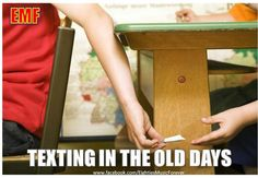 The good old days - Texting in the Old Days. Remember slipping notes and hoping not to get caught! Ideas Conmemorativas, All The Bright Places, Back In My Day, I Remember When, My Childhood Memories, School Memories, 1980s Childhood, 90s Kids, My Memory