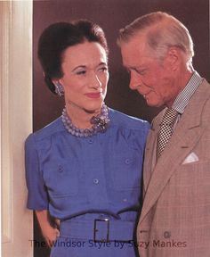 Duchess of Windsor wearing her Suzanne Belperron designed chalcedony, sapphire and diamond necklace and earrings