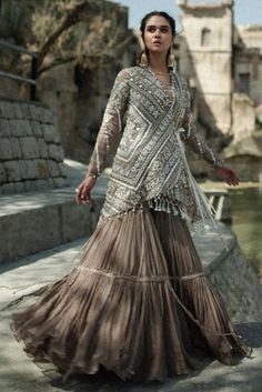 Material: Polyester Silhouette: Expansion Dress Length: Floor-Length Sleeve Length: Nine Points Sleeve Closure: Pullover Elasticity:. Party Wear Indian Dresses, Pakistani Wedding Outfits, Designer Party Wear Dresses, Dress Indian Style, Indian Designer Outfits, Pakistani Dresses, Nikkah Dress, Bridal Outfits, Dresses Dresses