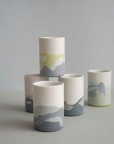 Painted Ceramic Plates, Painted Mugs, Ceramic Painting, Concrete Pots, Concrete Crafts, Pottery Painting Designs, Pottery Designs, Plate Design, Cup Design