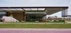 Escola de Ensino Médio SESC Barra,© Pedro Kok