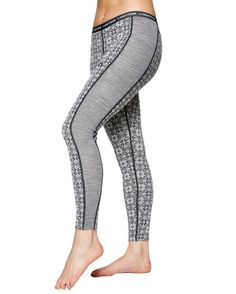 An icon of the Scandinavian winter, Kari Traa Rose base layers provide maximum warmth and are perfect for building up on cold days. Survival Clothing, Women's Diving, Pants For Women, Clothes For Women, Cold Day, Feminine, Plus Size, Lady, Rose