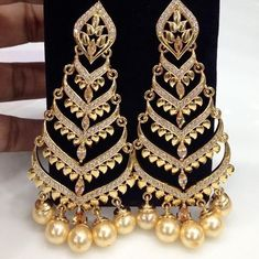 4 Clever Clever Tips: Best Jewelry Packaging jewelry accessories how to wear.Leather Jewelry Design cute jewelry to make. Indian Jewelry Earrings, Fancy Jewellery, Jewelry Design Earrings, Gold Jewellery Design, Cute Jewelry, Jewelry Accessories, Jewelry Model, Jewelry Trends, Jewelry Bracelets