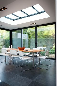 25 Most Amazing Indoor Skylights To Improve Your Interiors Skylights are one of the best ways if you want to include outdoor shades into your home. This decoration emphasizes abundant natural lighting and allows your interior to become brighter Skylight Design, Roof Skylight, Interior Design Living Room, Living Room Designs, Interior Livingroom, Kitchen Interior, Roof Design, House Design, House Extension Design