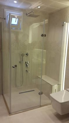 Inspiring Design Ideas & Pictures for Bathrooms Kids Room Wooden Bathroom, Bathroom Kids, Basement Inspiration, Bathroom Inspiration, Floating Sink, Living Room Decor Cozy, Modern Shower, Bathroom Pictures, Beautiful Bathrooms