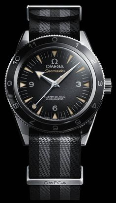 La Cote des Montres : La montre Omega Seamaster 300 « SPECTRE » - Daniel Craig découvre la production de la nouvelle Omega Seamaster 300 « SPECTRE » en édition limitée