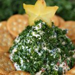 Christmas Tree-Shaped Cheese Ball - The Country Cook Fish Recipes, Beef Recipes, Cooking Recipes, Appetizer Recipes, Yummy Recipes, Cheese Ball Recipes, Cheese Dips, Cheese Spread, Xmas