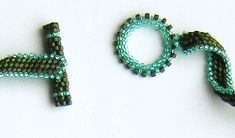 Free PDF for peyote toggle clasp.  Click on the site picture  ~ Seed Bead Tutorials