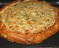 Gevuld turks brood met gehakt, champignons en ui - Recept uit myTaste