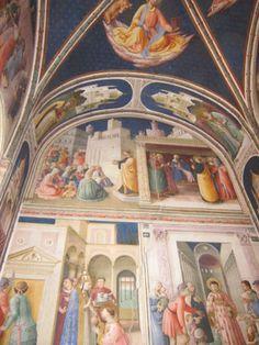 Take photos of religious murals #travel #italy