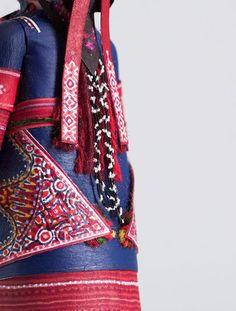 PlaymoGREEK: Δρυμός Θεσσαλονίκης. Πέτρος Καμινιώτης. Φωτογραφία Πέτρος Καμινιώτης Louis Vuitton Monogram, Wedding Dresses, Projects, Pattern, Collection, Design, Fashion, Bride Dresses, Log Projects